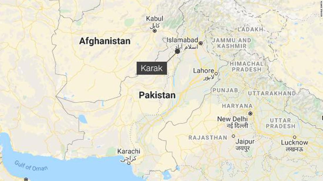 Attackers attack and set fire to a Hindu temple in northwest Pakistan
