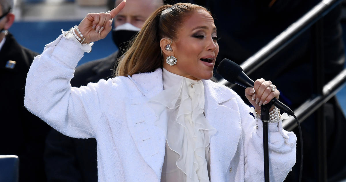 Jennifer Lopez addresses the nation in Spanish during the inauguration