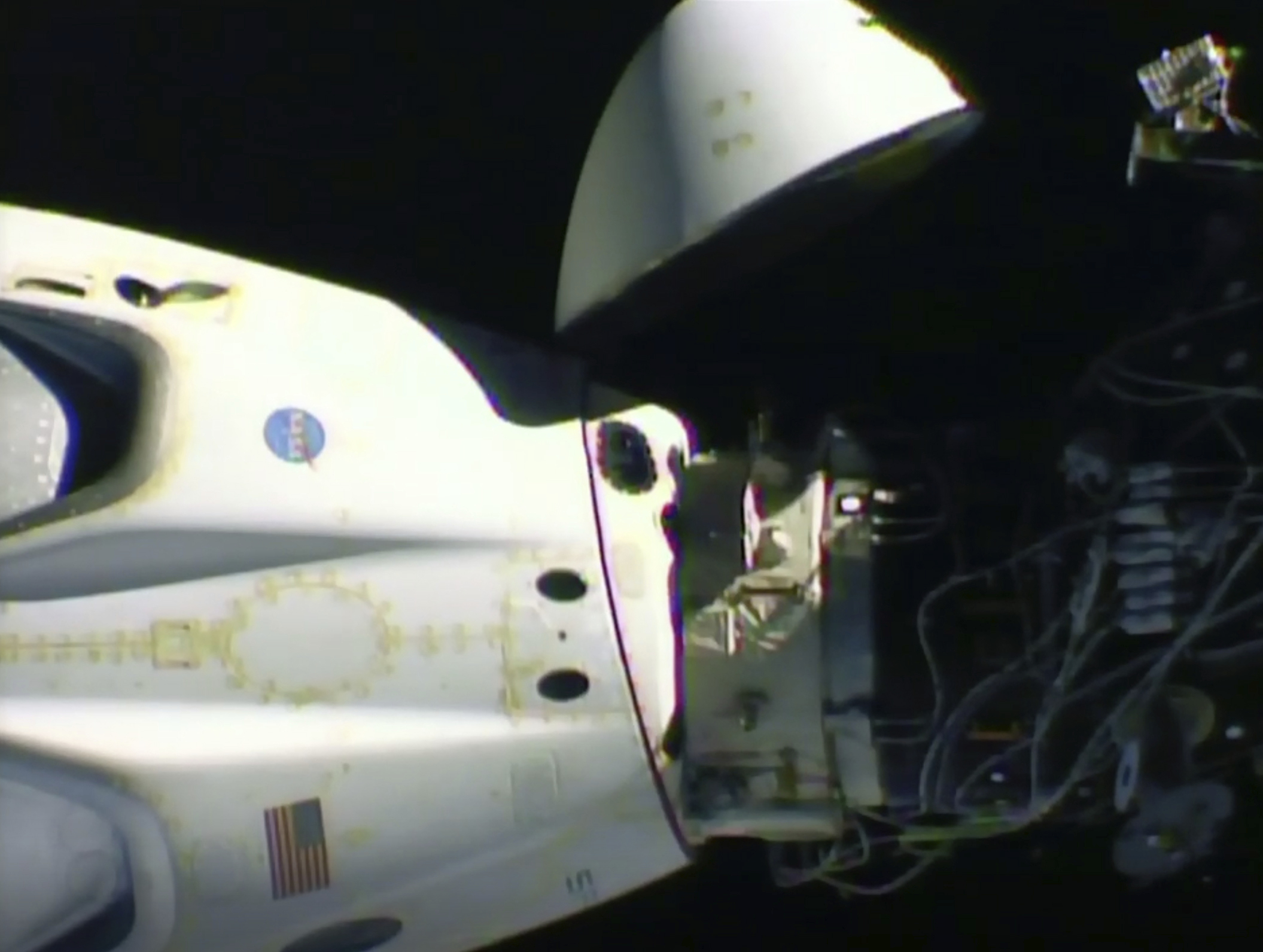 SpaceX's Dragon spacecraft is strewn off the west coast of Florida
